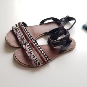 Billabong tribal sandals